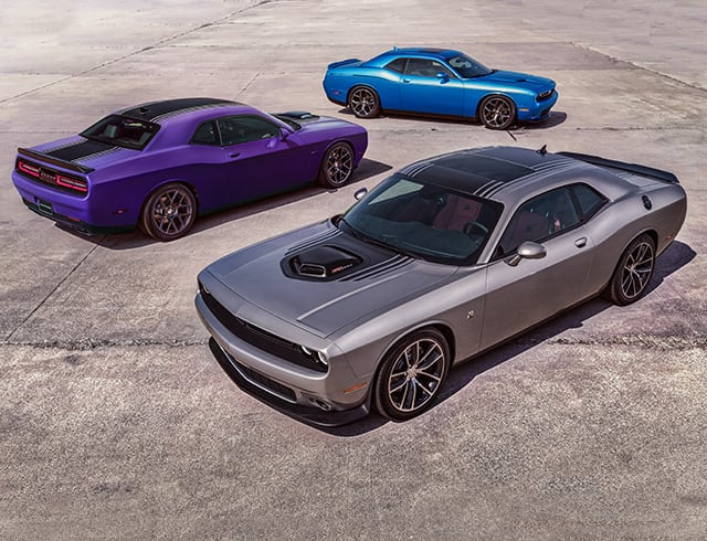 Challenger Howls High Performance Sxt Plus With The Available Body Side Stripe 392 Hemi Pack Shaker And R T Pictured Here Shown In