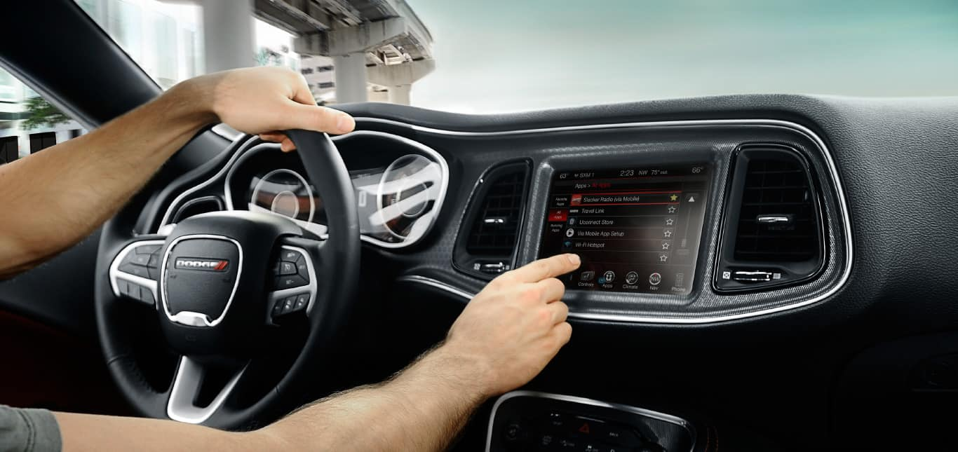 2016 dodge challenger smart technology features 2016 dodge challenger apps and mobile apps