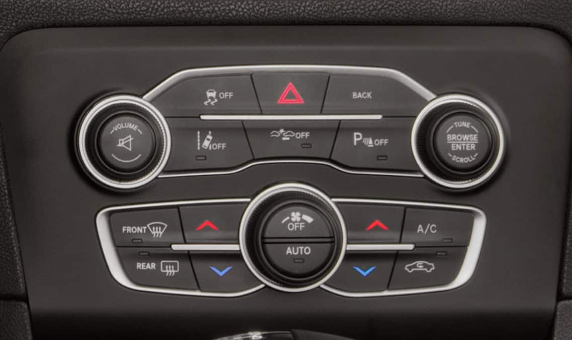 2016 Dodge Charger R/T Temperature Control