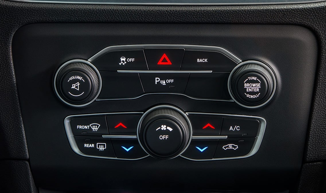 2016 Dodge Charger SE AWD Temperature Control