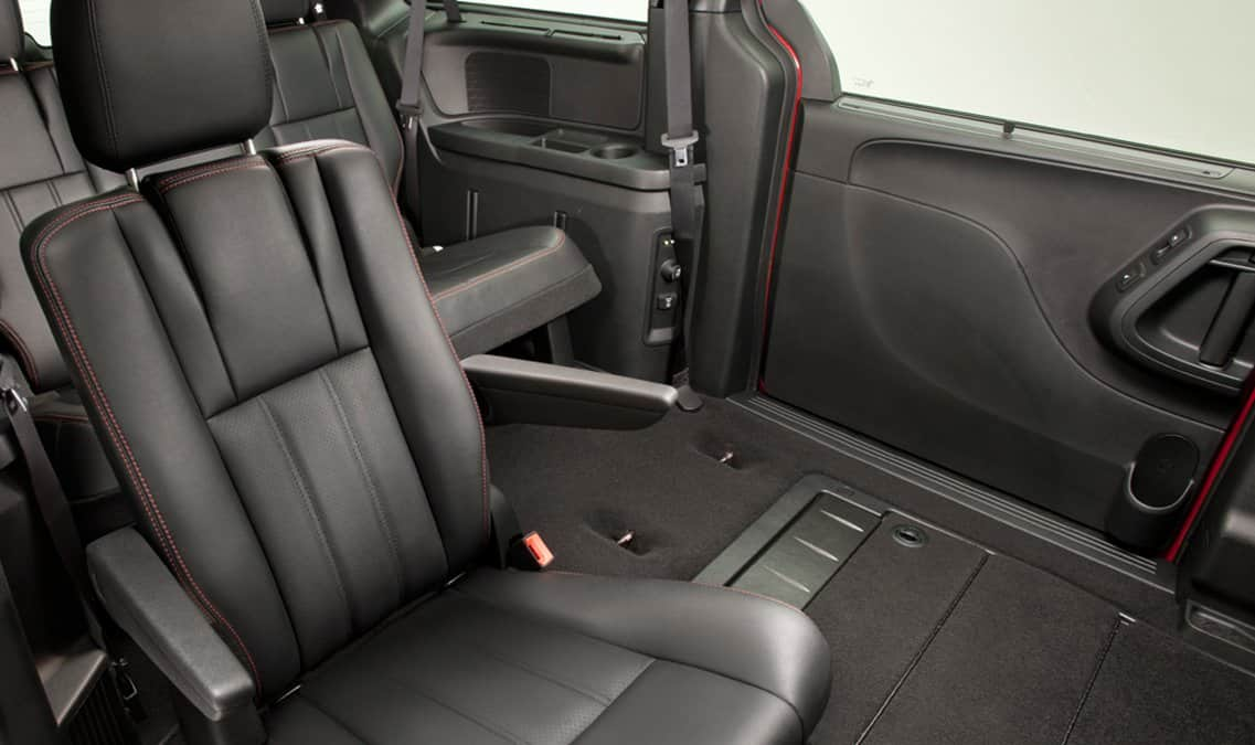2016 Dodge Grand Caravan R/T Stow 'N Go Seats