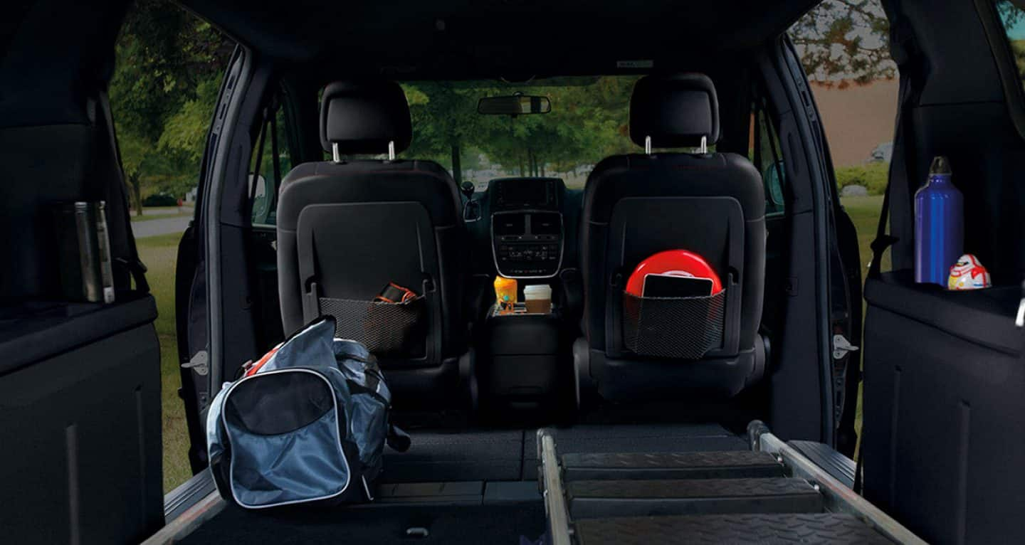 Dodge Caravan Seating >> 2019 Dodge Grand Caravan Photos Videos